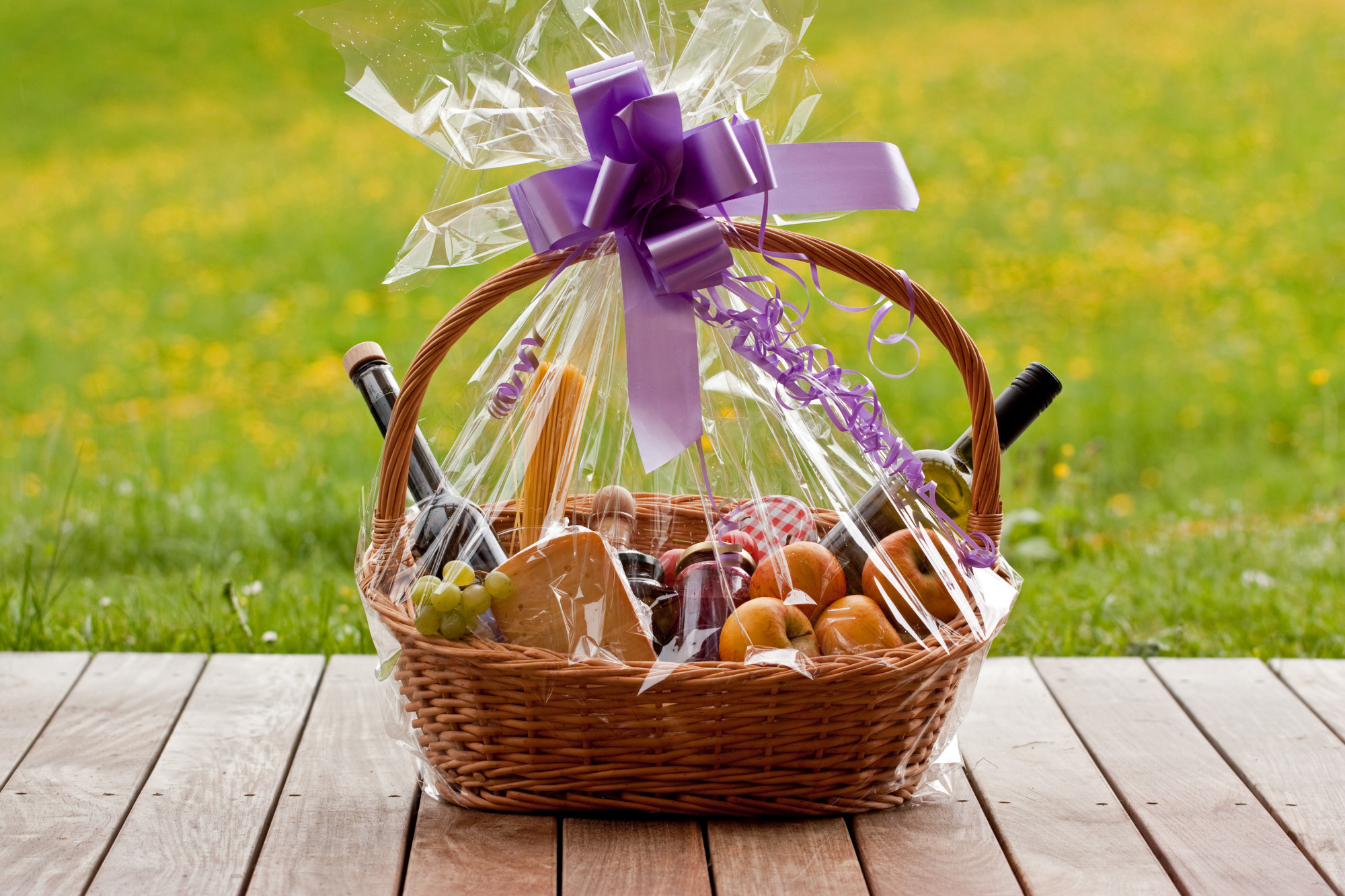 From Happy Birthday to Welcome Baby Easy Gift Basket Ideas for Every Occasion & From Happy Birthday to Welcome Baby: Easy Gift Basket Ideas for ...